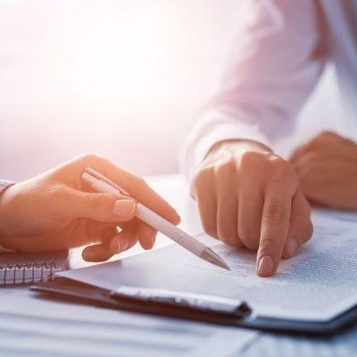 Qué es un contrato mercantil y qué ventajas ofrece