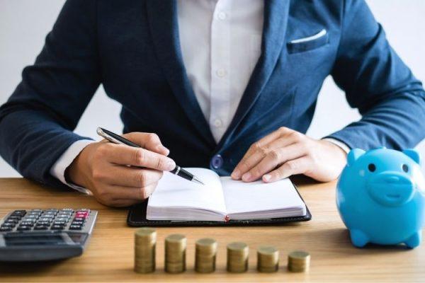 Hay un máximo o un nivel de ingresos mínimos para ser autónomo